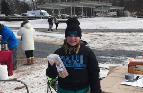 Jessica Bell raising over $200 for the GWL Skatepark Corp by selling hand-warmers at the Winter Classic ice-hockey tournament